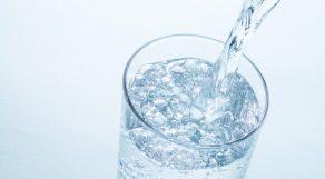 ミネラルウォーターを化粧水に!?究極のオーガニック化粧水のすすめ