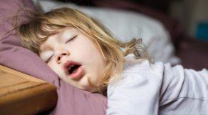 いびきをかいちゃう女子必見!いびき対策アイテムまとめ
