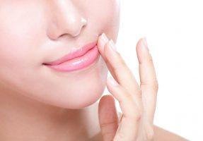 ヒアルロン酸で魅力溢れる唇へ!都内で安く受けられる3院ご紹介